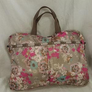B8,507 Le Sportsac Laptop Case Bag Padded